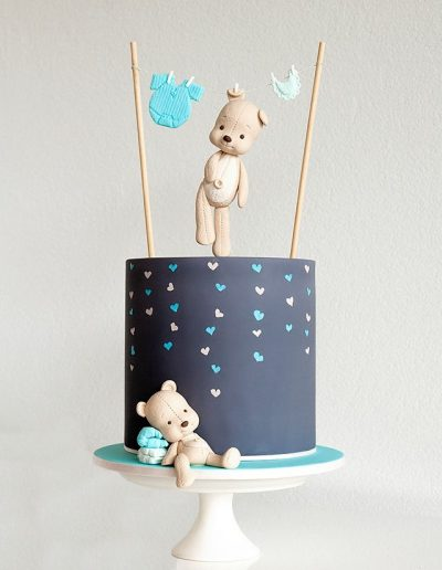 Teddy Bear Clothesline Cake