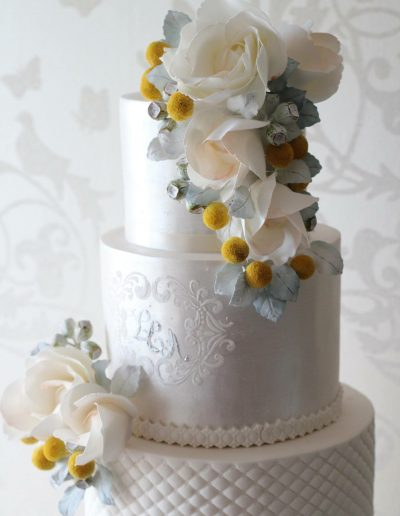 Cream Quilt Yellow Flower Wedding Cake