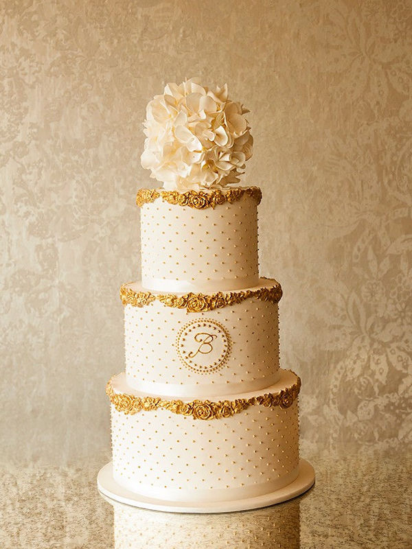 8-tier-cream-gold-wedding-cake